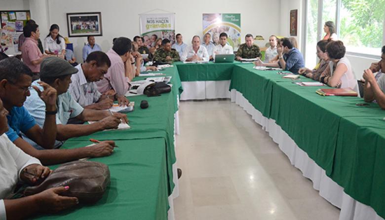 La reunión con productores agropecuarios fue presidida por el gobernador Ovalle.