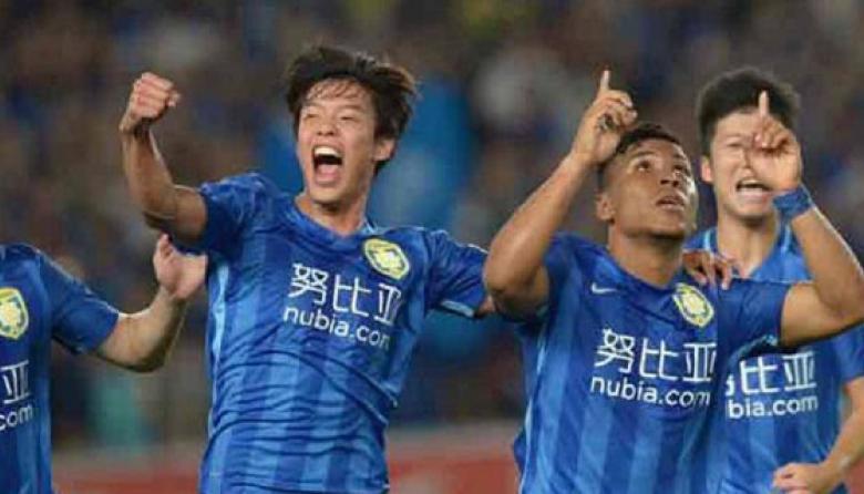 Roger Martínez debutó con doblete en el Jiangsu Suning, del fútbol chino