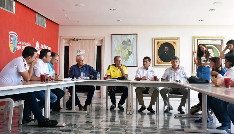 Reunión en la que participaron ayer los cinco gobernadores de la Región Caribe.