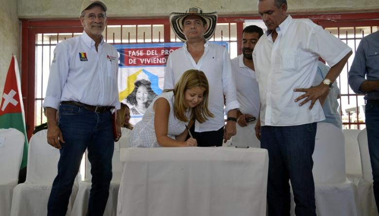 Vargas Lleras da luz verde a 1.098 casas gratis en Atlántico
