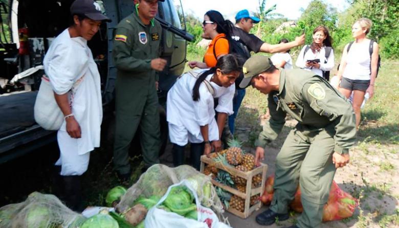 Policía llevó alimentos a indígenas Kogui y Wiwa
