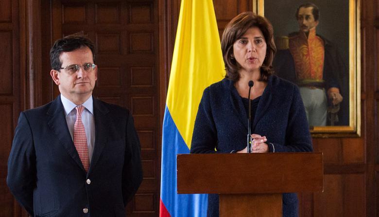 """Embajador de Colombia en Venezuela se queda en Bogotá """"en consultas"""": Canciller"""