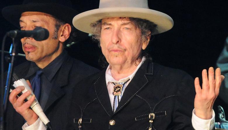 Bob Dylan recibió su premio Nobel de Literatura a puerta cerrada