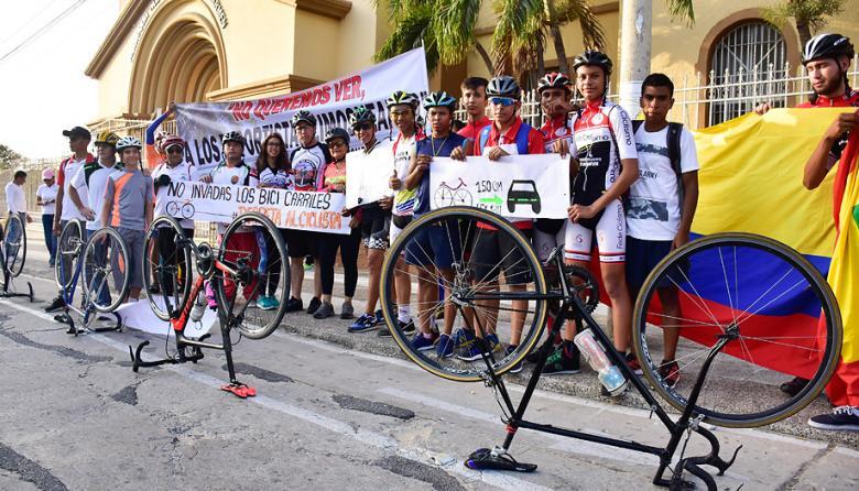 """Ciclistas barranquilleros reclaman """"igualdad y equidad deportiva"""""""