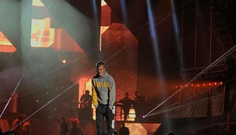 Justin Bieber se presentó en Bogotá ante un público entregado pero incompleto