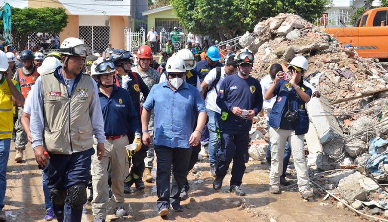 Procuraduría abre indagación contra alcalde de Cartagena por caída de edificio en construcción