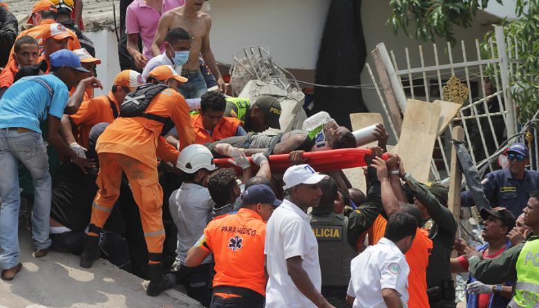 Investigan a tres funcionarios por caída de edificio de Blas de Lezo
