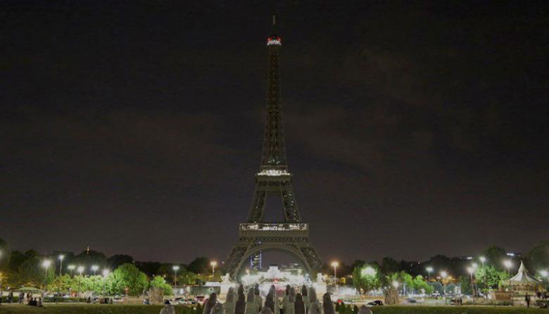La Torre Eiffel apagará sus luces en honor a víctimas de Londres