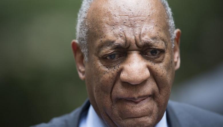 Anulan juicio de Bill Cosby, pero exconejita Play Boy de 74 años violada cree que justicia llegará