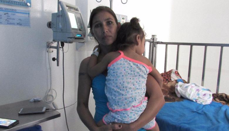Termina calvario de madre de menor que tragó moneda de $100