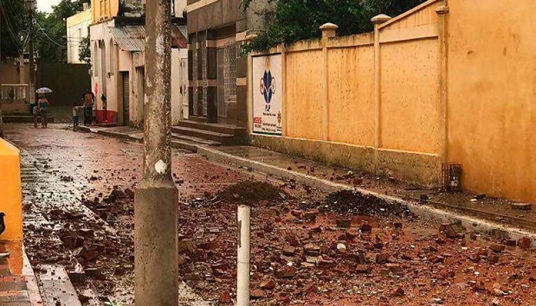 Destrozos que dejó la caída de uno de los rayos en el municipio.