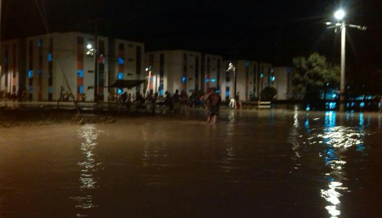 Casas gratis en El Recuerdo, en Montería, llevan dos días inundadas