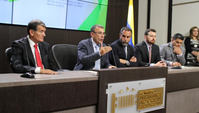 ¿Y quién es Pinzón?: La U da el adiós al exministro de Defensa