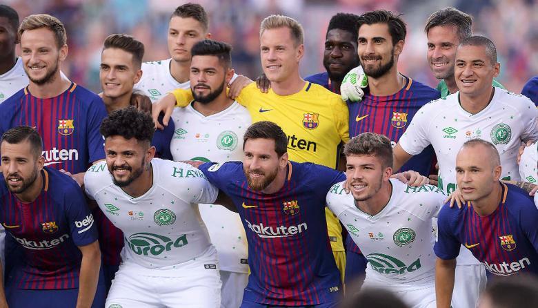 El emotivo homenaje del Barça al Chapecoense