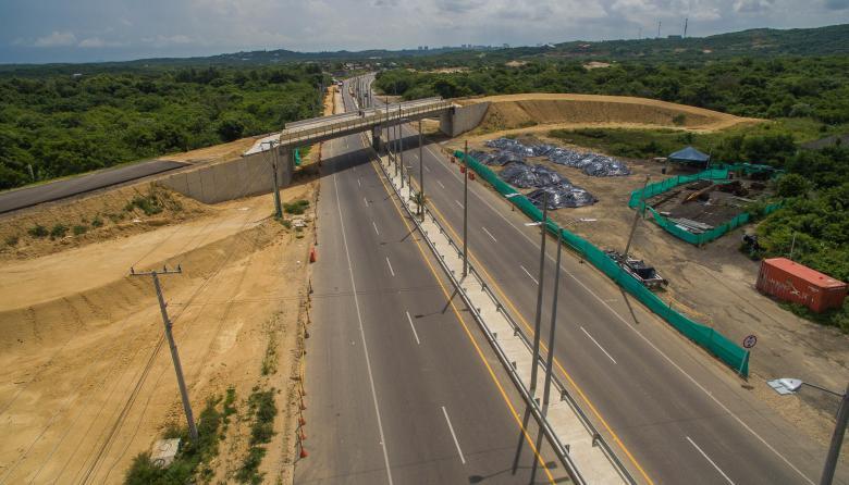 Imagen tomada con un dron del puente en construcción ubicado en la Ye de los Chinos.