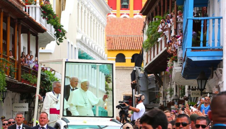 Tres ángulos del último día de Francisco en Colombia