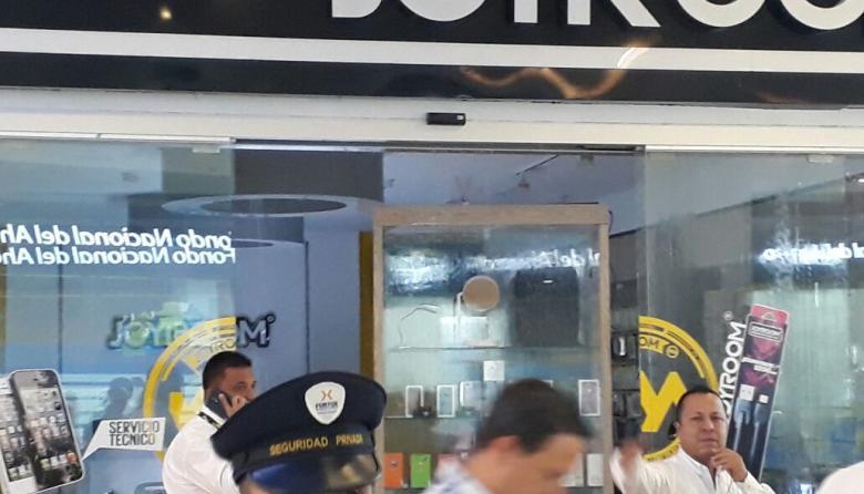 'Llueve' en local de electrónicos en un centro comercial del norte de Barranquilla