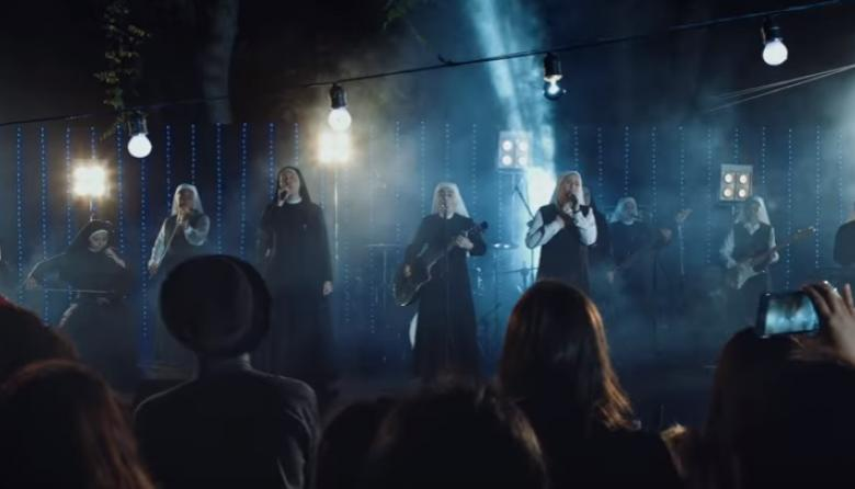 Las 11 monjas que le cantan a Dios a ritmo de rock