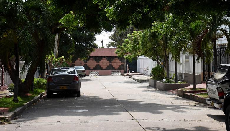 En el fondo se observa la puerta que los vecinos de Paraíso piden que permanezca cerrada.