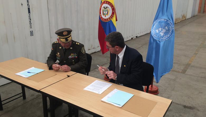 El general Javier Pérez Aquino de las Naciones Unidas, y el general de la Policía Nacional Álvaro Pico Malaver, firmaron el procedimiento.
