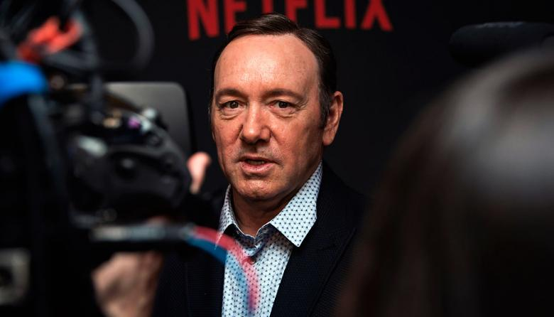 Kevin Spacey confiesa su homosexualidad y se disculpa con actor tras acusaciones de acoso