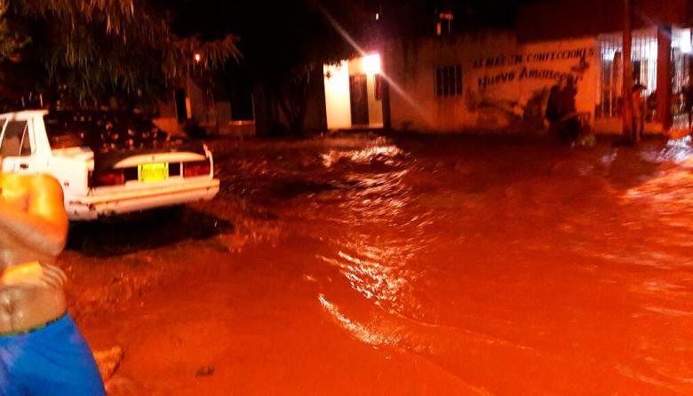 Emergencia en cinco barrios de Santa Marta por creciente súbita del Manzanares