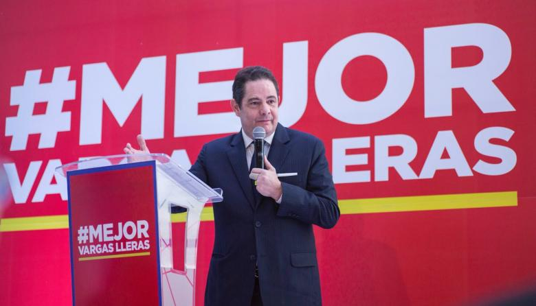 Vargas Ll. durante la presentación de sus propuestas.