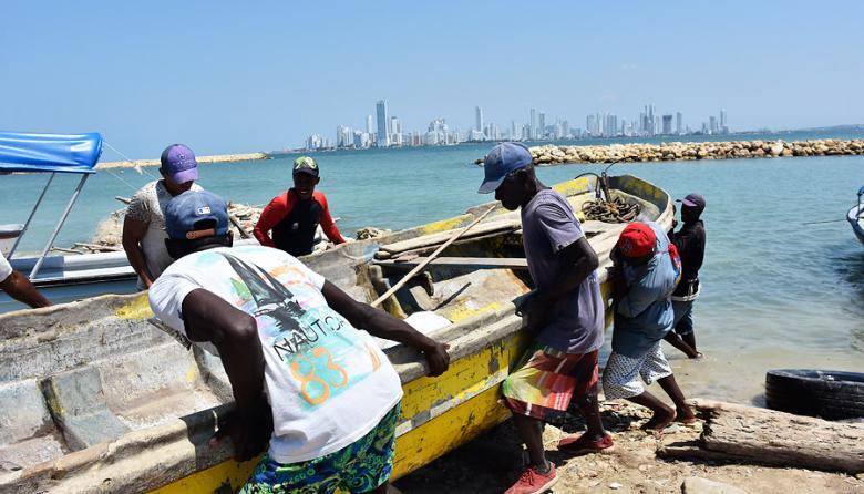 """""""El corazón me dice que nuestros pescadores están vivos"""": Familiares"""