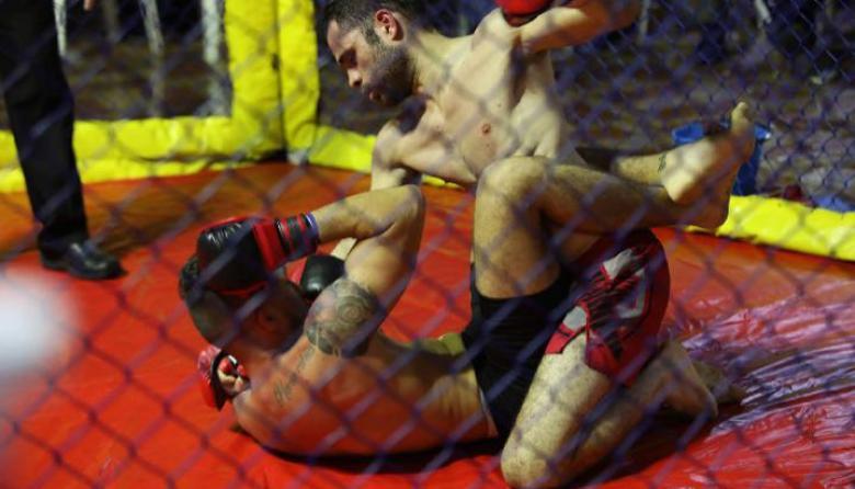 Cybulkiewicz logra título profesional en artes marciales mixtas