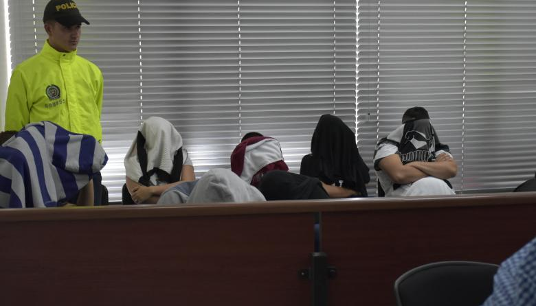 """""""Por $300 mil, me tocó dar $800 mil"""": víctima de los cobradiarios"""