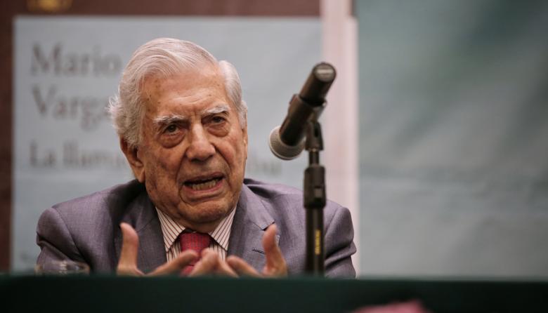 No quiero que las pantallas derroten a los libros: Vargas Llosa