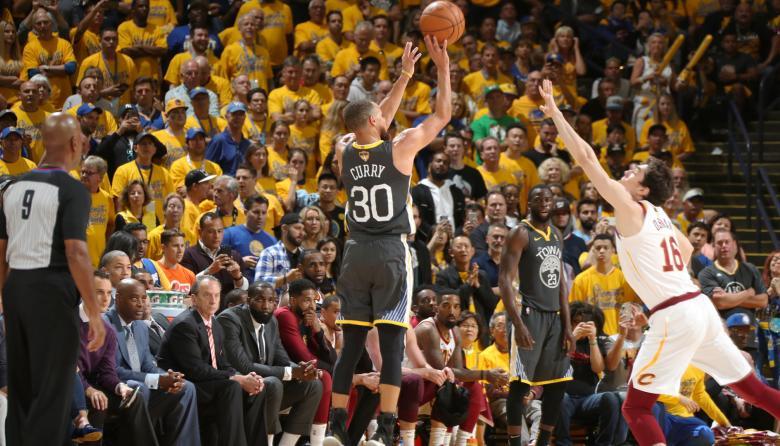 Los Warriors se ponen 2-0 ante los Cavs en la final de la NBA