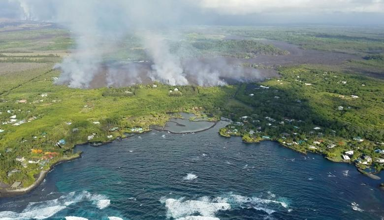 Más de 100 casas destruidas por lava de volcán en Hawái