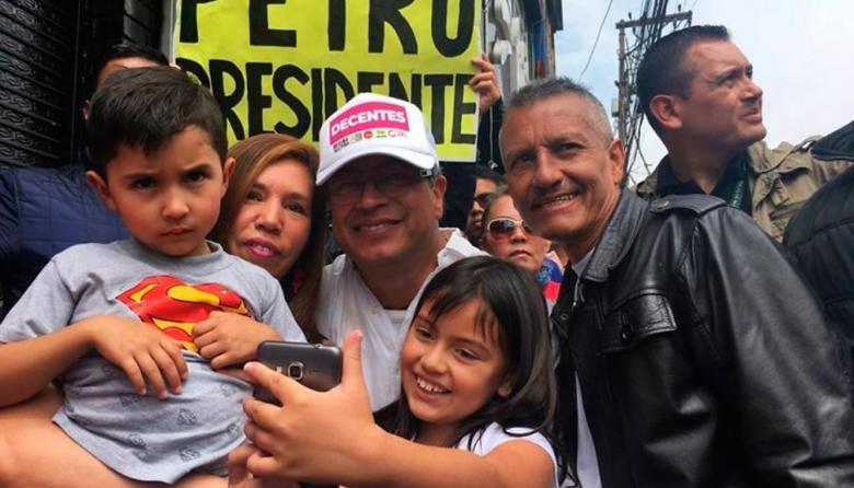 Gustavo Petro, la carta de la izquierda en la contienda