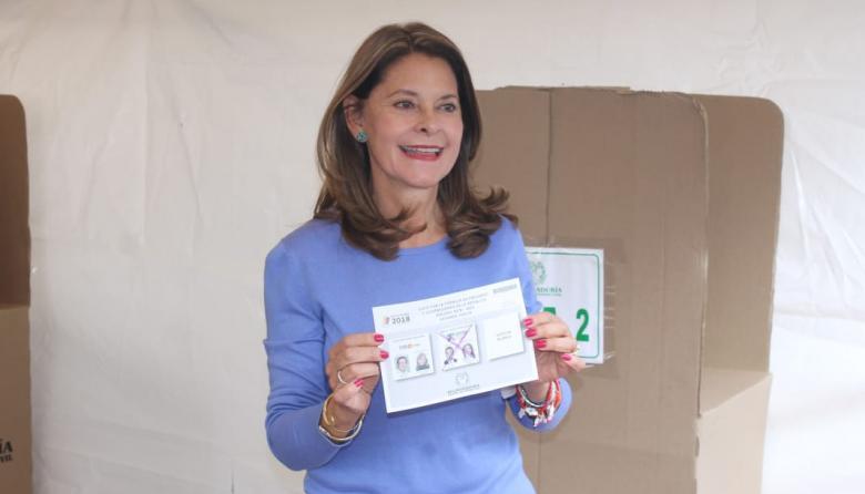 """Voté por un mejor futuro para Colombia"", Marta Lucía Ramírez"