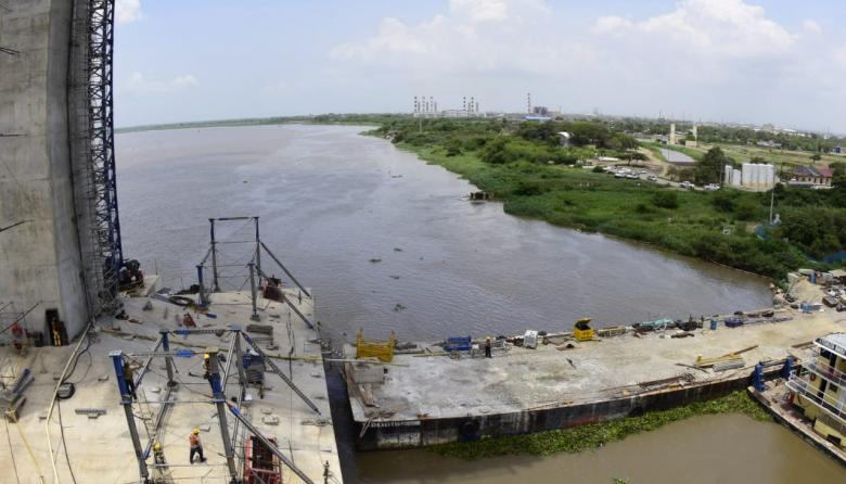Por mancha de aceite en el Río, suspenden servicio de agua en Barranquilla y Soledad