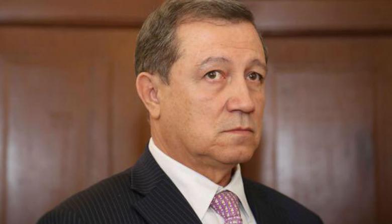 Senador, Ernesto Macias.
