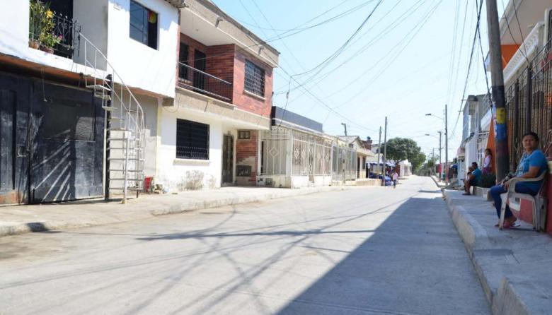 Alcalde de Soledad entrega nuevas vías
