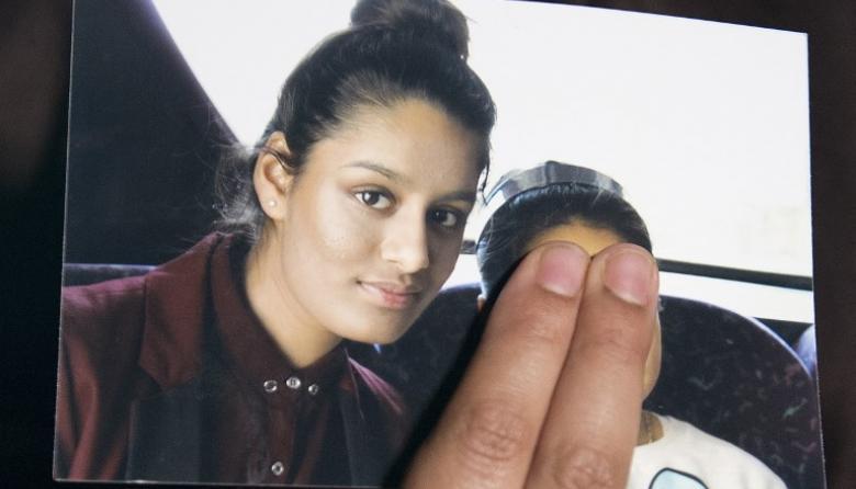 Joven británica que se unió al Estado Islámico pide compasión y poder volver junto a su bebé