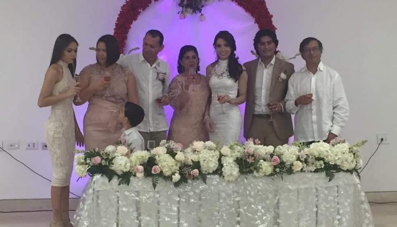 Petro asiste a la boda de su hijo en Barranquilla