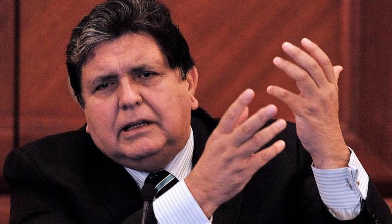 """Minsalud peruana califica de """"muy grave y crítico"""" estado de salud de expresidente Alan García"""