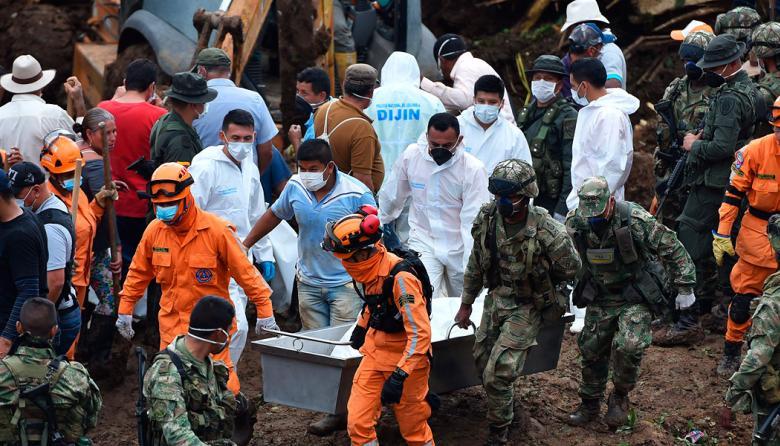 Han recuperado 20 cuerpos, tras deslizamiento en Rosas