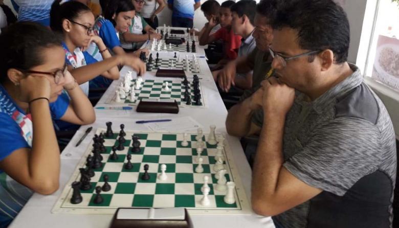 Centenario lidera la Liga Quintal a falta de dos rondas
