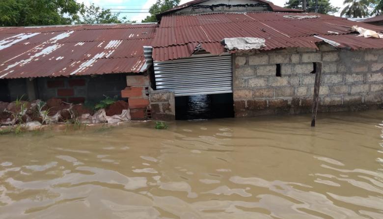 Al menos 250 familias afectadas por filtraciones de agua en Guaranda