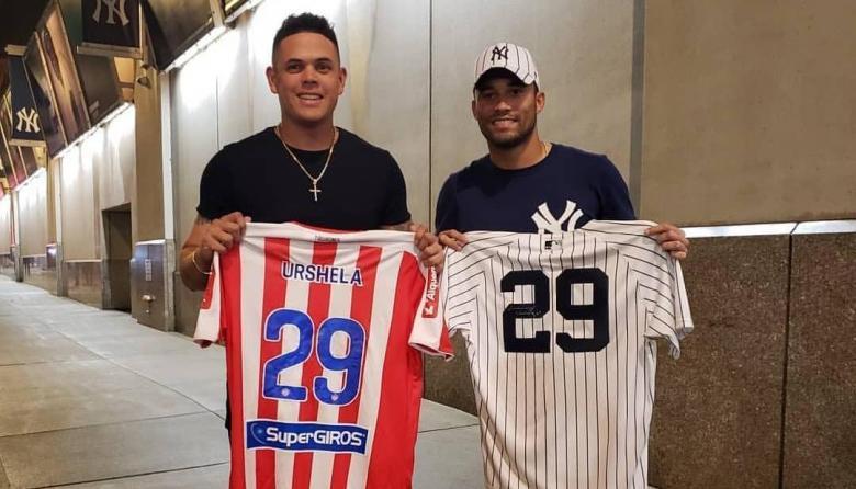 Chunga compartió con Giovanny Urshela en el Yankee Stadium