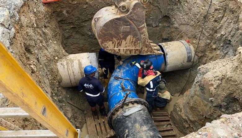 Tras más de ocho horas sin agua, trabajos de Triple A transcurren con normalidad