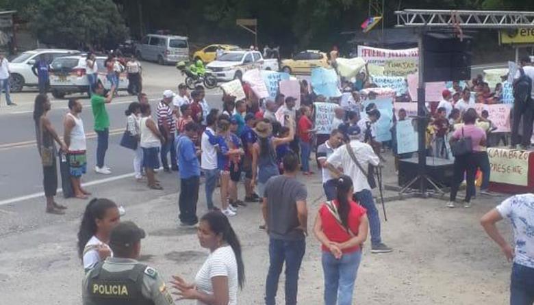 Comunidad realiza protestas.