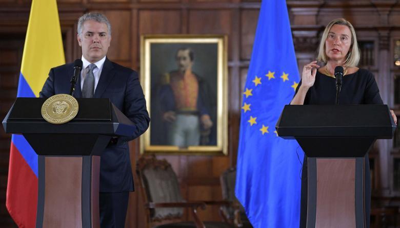 Iván Duque junto a Federica Mogherini.