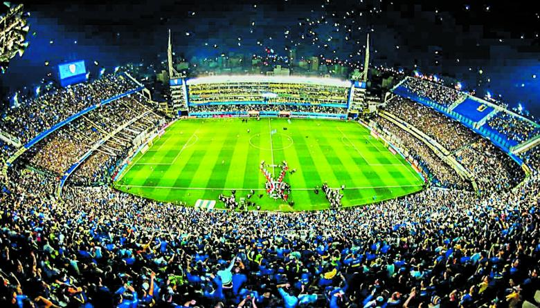 El estadio de La Bombonera, casa del Boca Juniors, espera hoy más de 50 mil fanáticos para alentar a su equipo ante River, por un cupo en la final de la Libertadores.