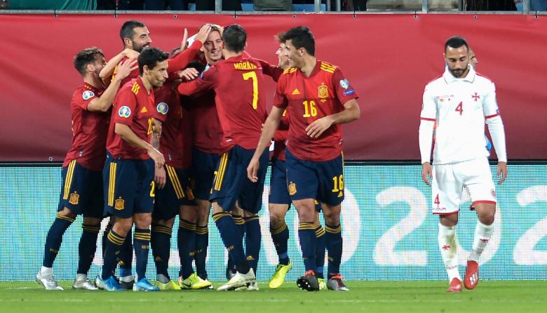 España golea 7-0 a Malta y se asegura el liderato de grupo